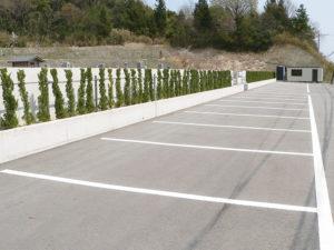 井笠岡公園墓地駐車場
